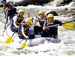 rafting-group-white-water